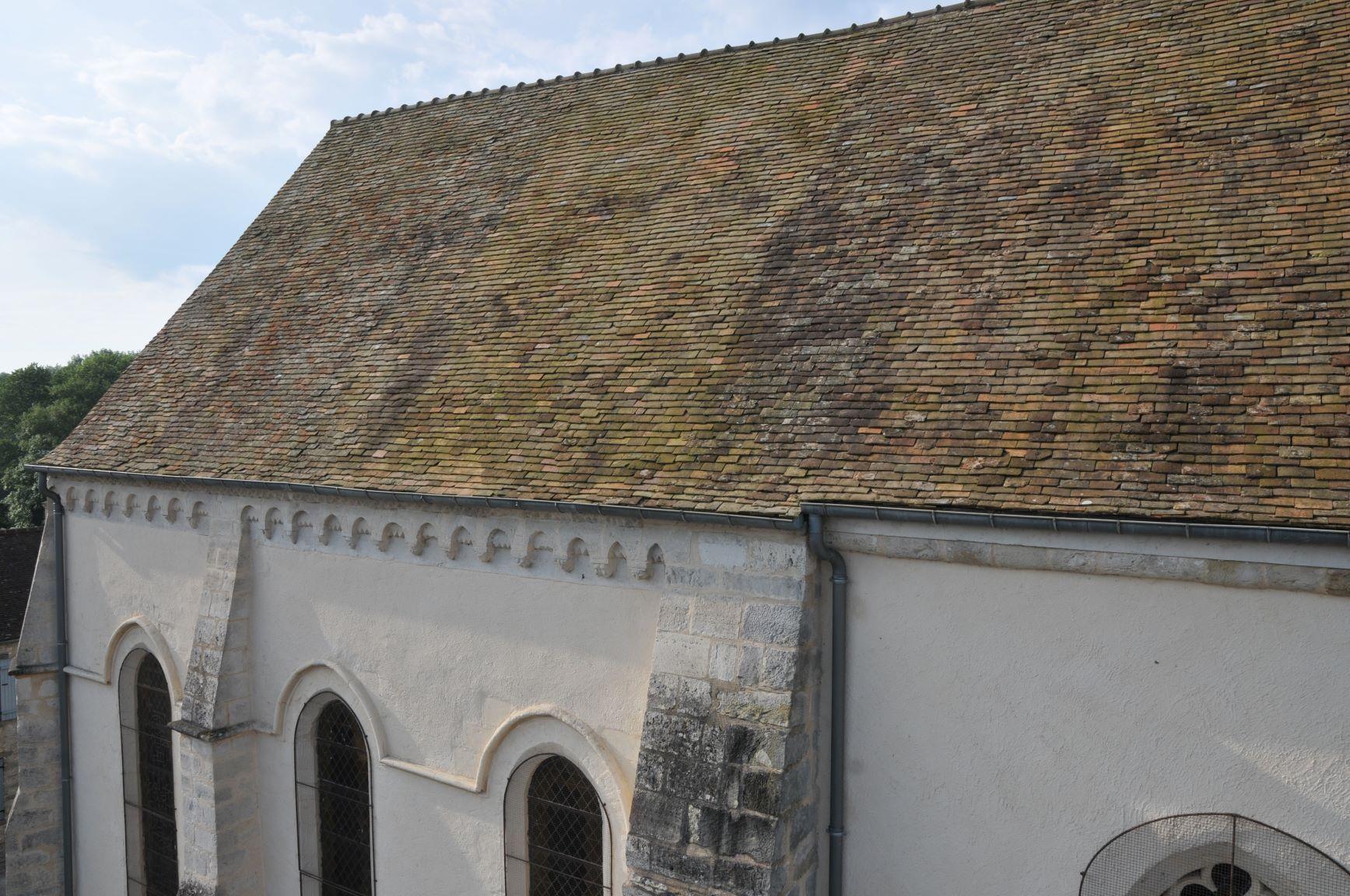 Eglise-JVA_6465-Toit-cote-modillons-TTB