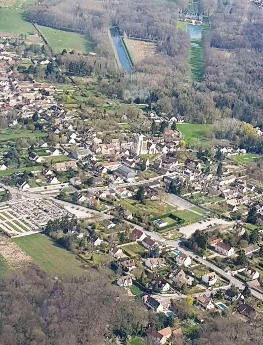 Vue-aerienne-de-Moigny-par-Geraldine-2017