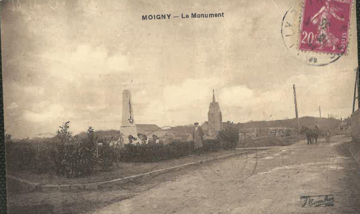 Vue-aerienne-vue-generale-Monument-aux-morts-1-CP